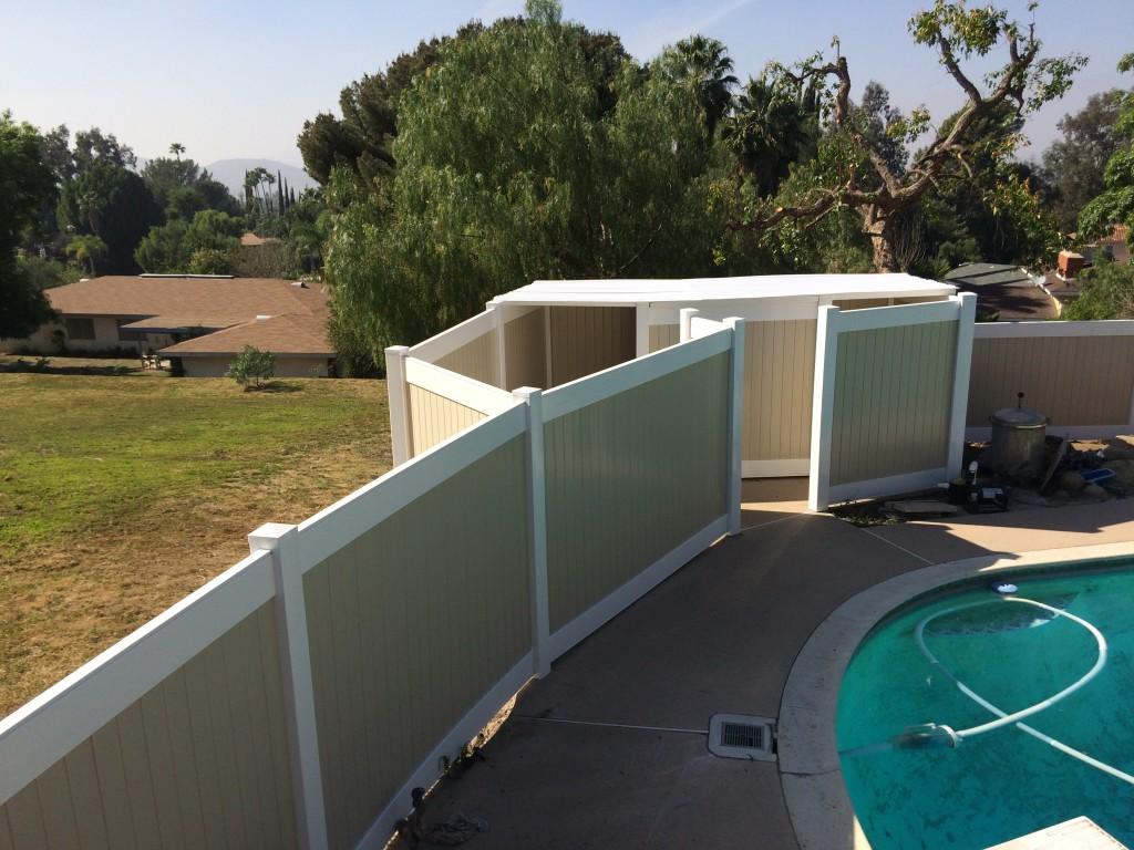 Vinyl Pool Fence