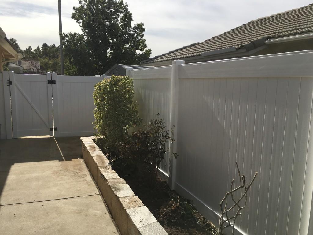 White Vinyl Fence in Murrieta Ca.