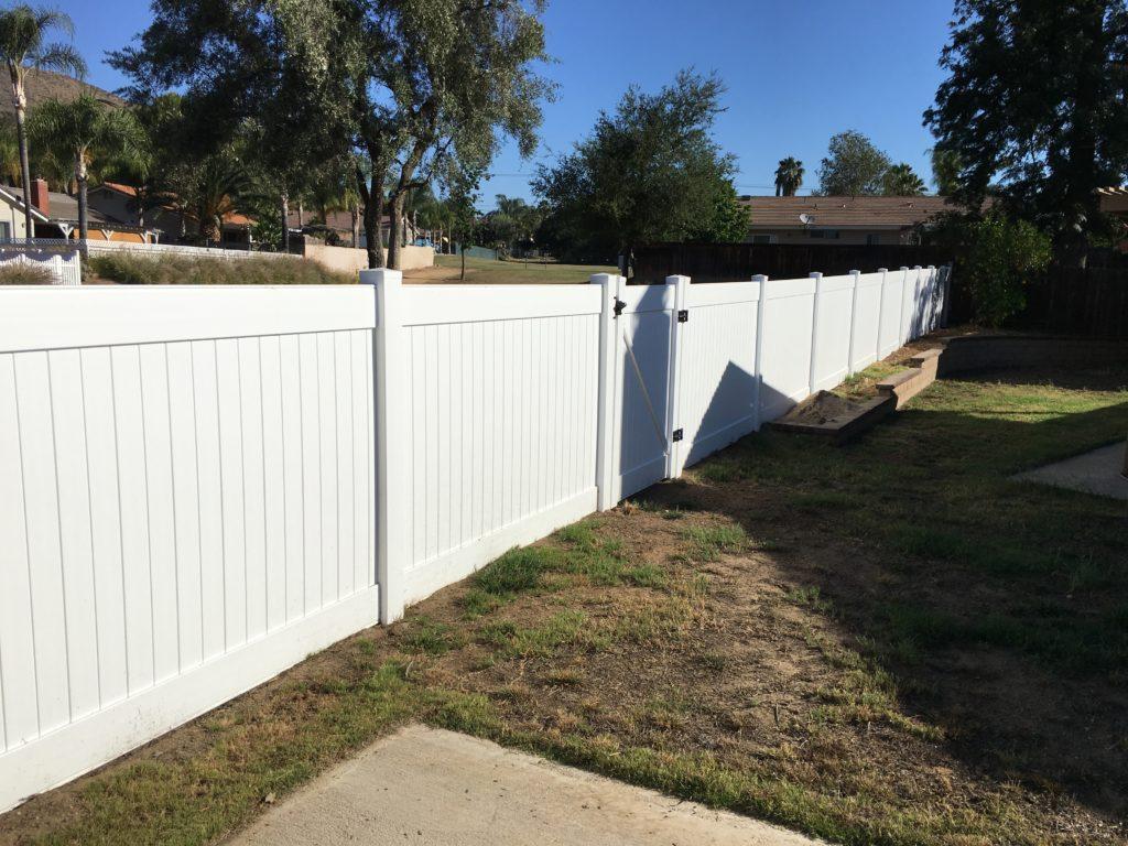 White Vinyl Fence Temecula Ca