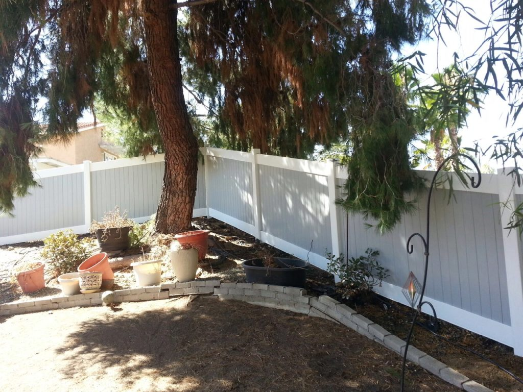 Grey and white Vinyl Fence Canyon Lake Ca
