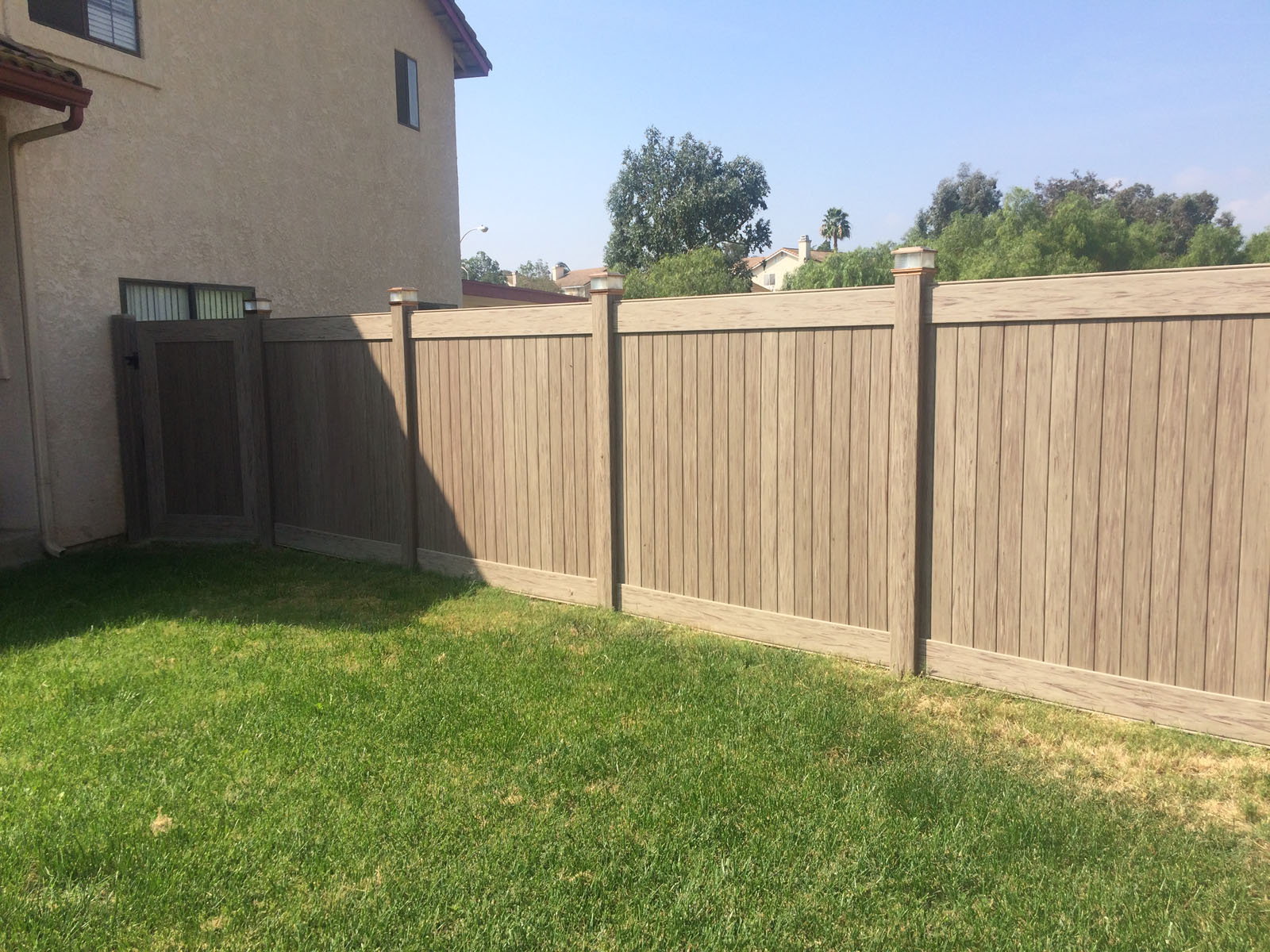 Privacy Vinyl Wood color Murrieta Ca.